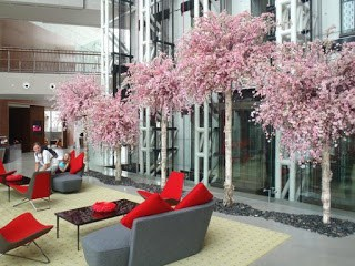 Using flowering artificial trees for business